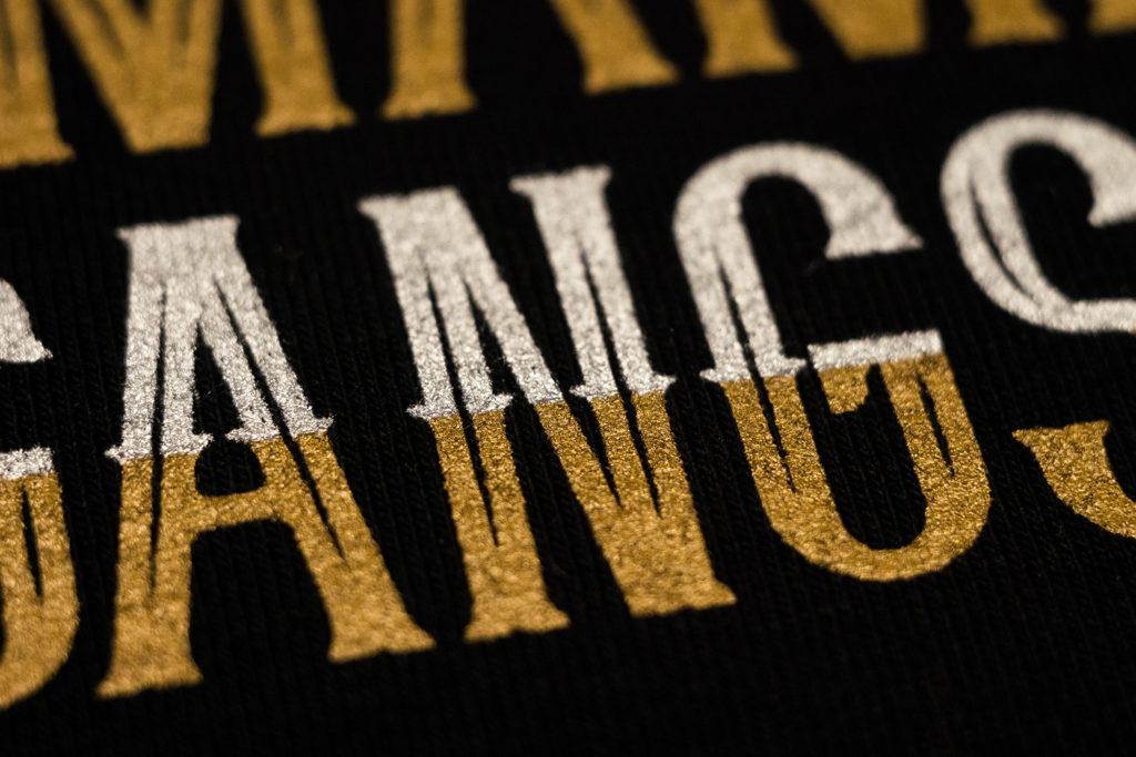 печать золотом серебром на текстиле